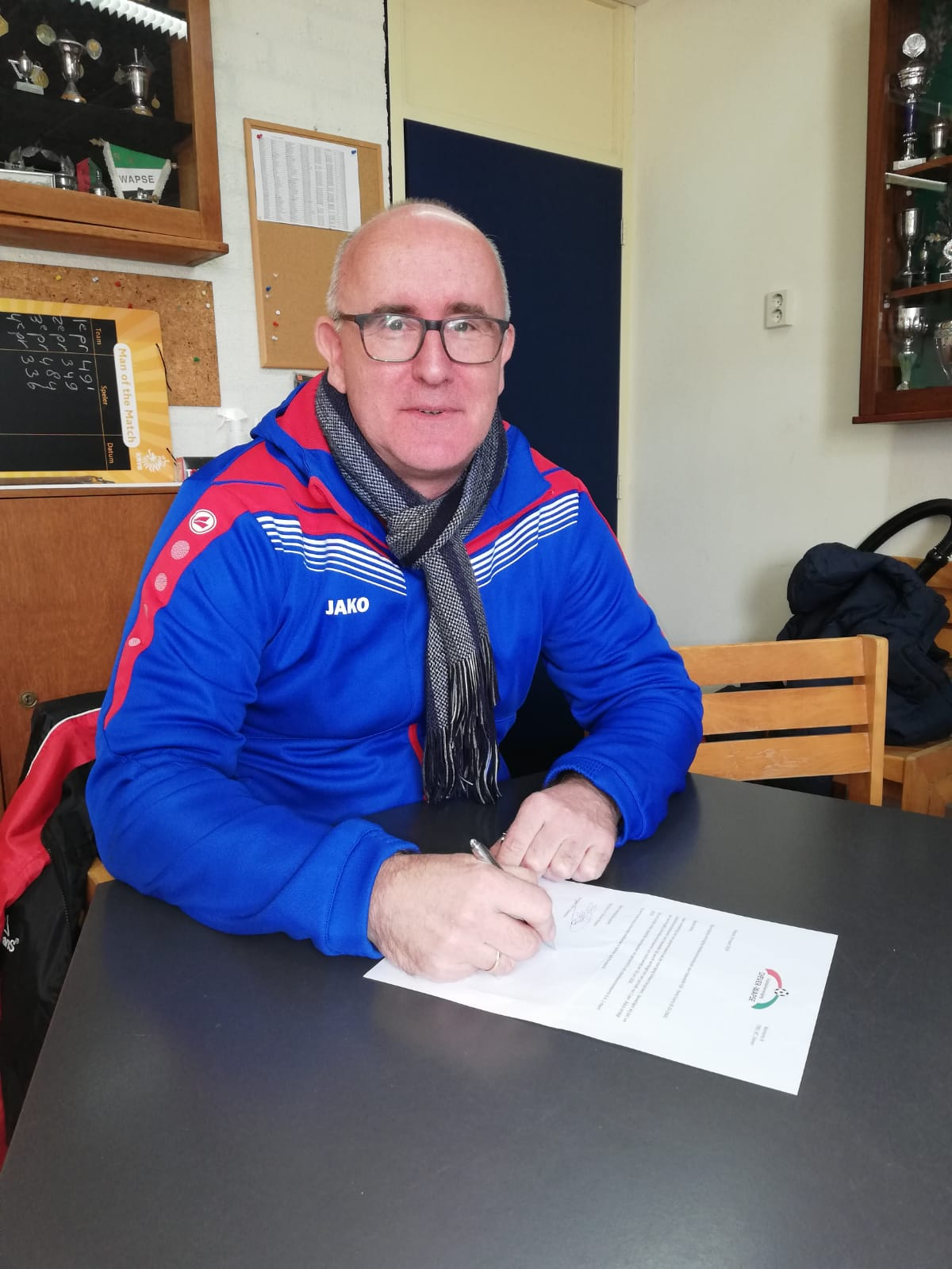 vv Diever-Wapse verlengt contract van trainer Henk Everts
